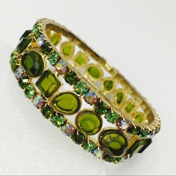3acbb1b14 Green peridot crystal Swarovski gold bracelet. M_5b5959a45098a0b6be5178e8